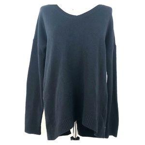 Hinge (Nordstrom) soft sweater w/back slit size M